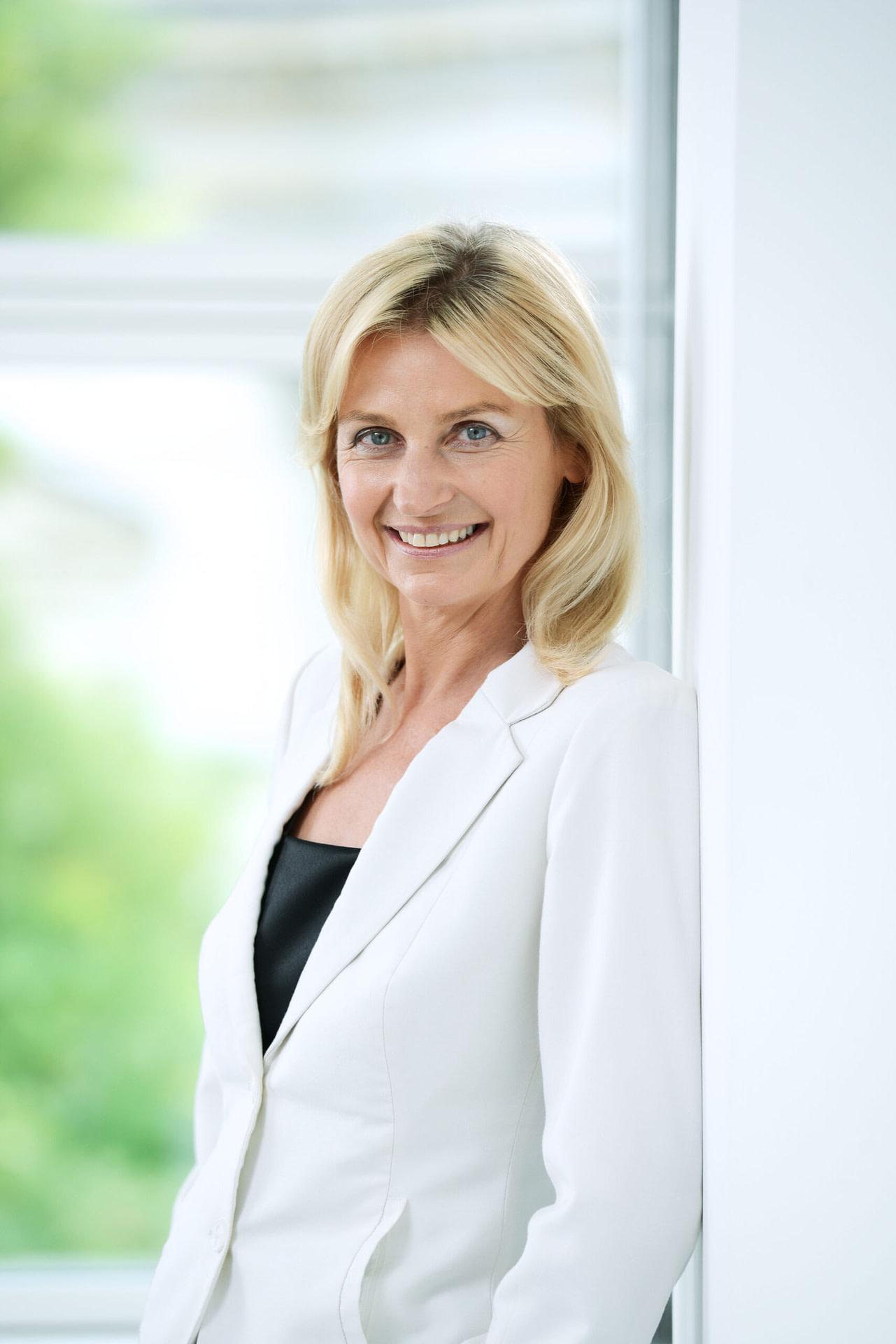 Dr. Maria Reinisch